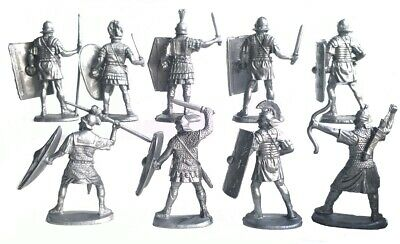 Toy soldiers Horse knights Plastic 1//32 scale 2pcs 90mm New!!!
