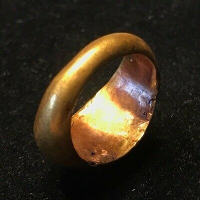 Ancient Roman Gold Ring With Remnants Of A White Shell. Nice Patination