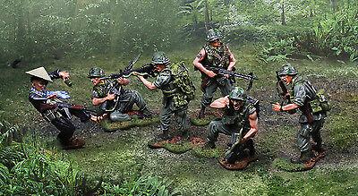 COLLECTORS SHOWCASE VIETNAM War Cs00952 U s  Marine M60 Machine Gunner Mib