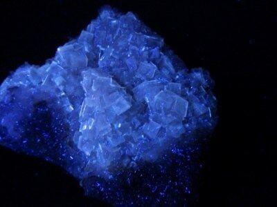 """Minerales """" Preciosos Cristales Fluorescentes De Fluorita Mina Moscona -10A17 """" 8"""