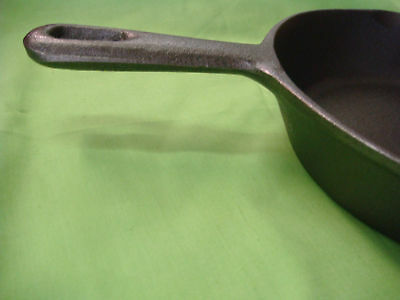 CAST IRON FRYING PAN SKILLET 20cm TOP DIAMETER BRAND-NEW W/HANDLE STRONG ROUND 11