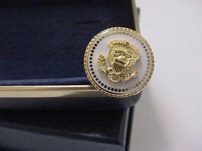 Pair of  new  vice presidential dick cheney cufflinks diecast