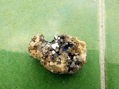 "Minerales "" Fantasticos Cristales Octaedricos De Magnetita Marruecos -  7D17 "" 7"