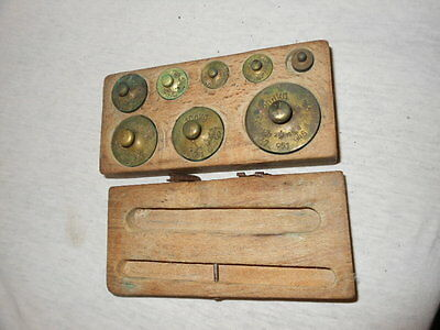 Alte Gewichte aus Messing für Waage im Holzkasten 8 Gewichte 5
