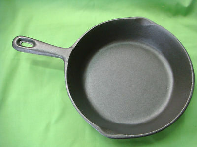 CAST IRON FRYING PAN SKILLET 20cm TOP DIAMETER BRAND-NEW W/HANDLE STRONG ROUND 8