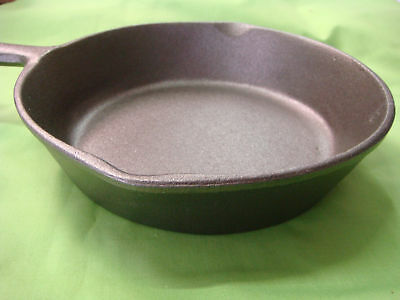 CAST IRON FRYING PAN SKILLET 20cm TOP DIAMETER BRAND-NEW W/HANDLE STRONG ROUND 12