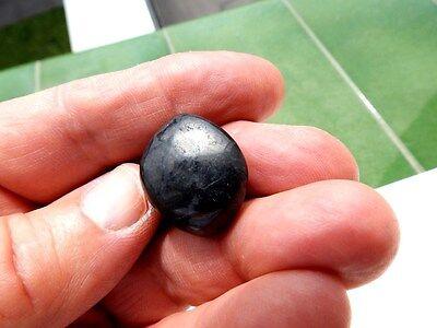 "Minerales "" Extraordinario Mineral Rodado De Shungita  De Rusia  -  7E17 "" 2"