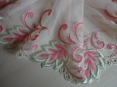 Spitzenborte,lace in lila  18cm breit Nicht elastische bestickte Spitze