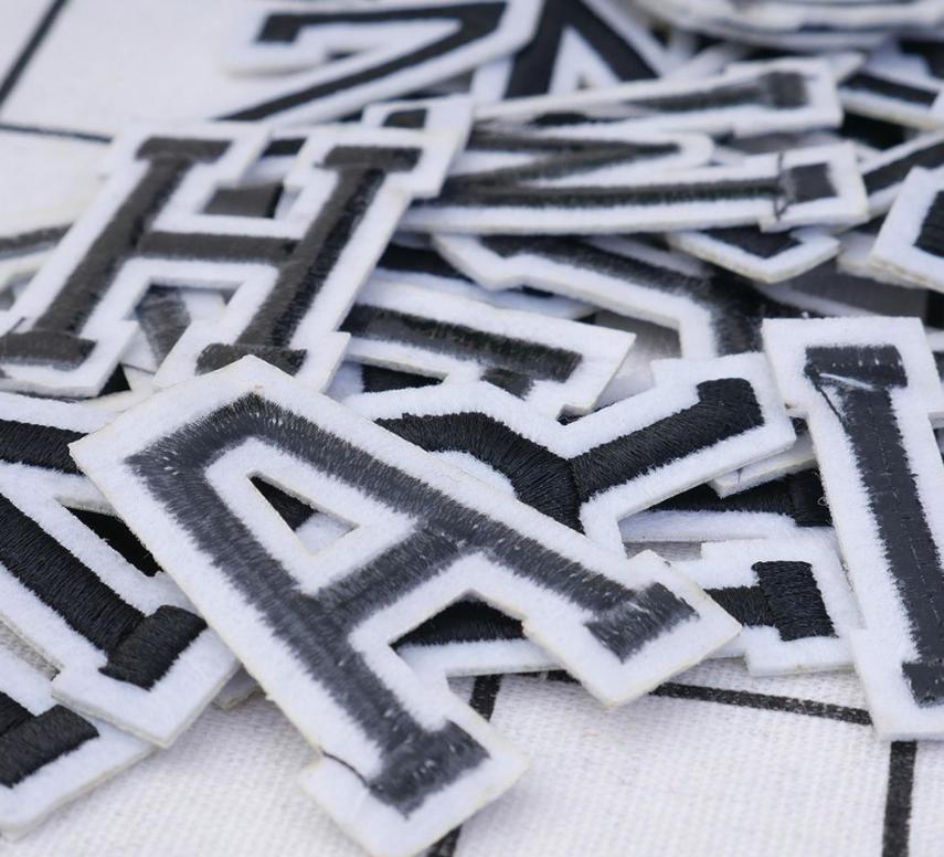 Patch Toppa Alfabeto Lettere Alphabet Personalizzate Ricamata Termoadesiva 5cm 6