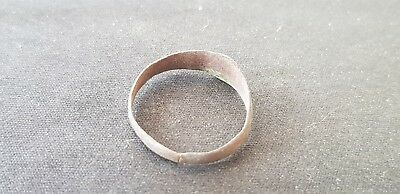Lovely Post Medieval copper alloy posy type ring  Please read description L493 8