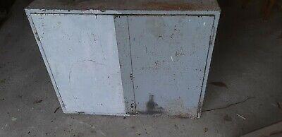 Antiker Fabrik Industrie Spind Schrank unrestauriert Shabby grau 110cm x 91cm 2