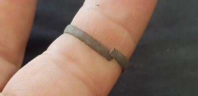 Lovely Post Medieval copper alloy posy type ring  Please read description L493 3