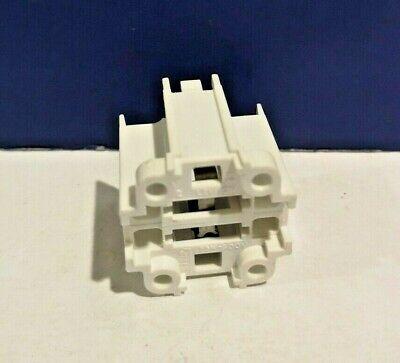 White Socket 75 Watt 600V Bulb D3990 CFL Socket GX24q-4 Base 42W 4-Pin NEW 4