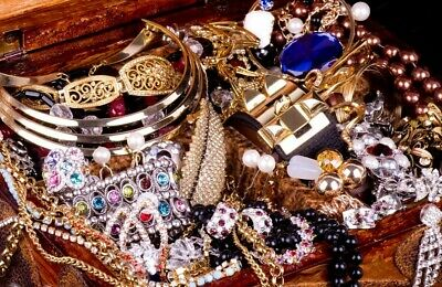 Jewelry Vintage Mod Huge Lot Junk Craft Box FULL POUNDS Brooch Necklace Earrings 5