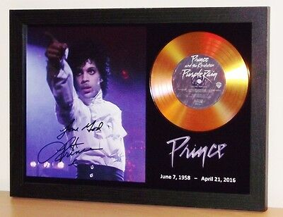 PRINCE /'KISS/' SIGNED PHOTO GOLD CD DISC DISPLAY COLLECTABLE MEMORABILIA GIFT