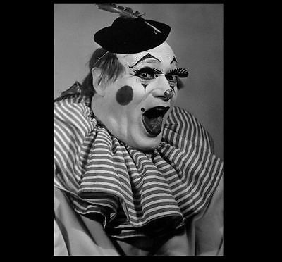 Scary Vintage Creepy Clowns PHOTO Feed Piggy Halloween Circus Clown Costumes!