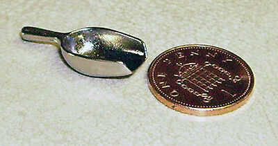 1:12 Scale Silver Metal Scoop Dolls House Miniature Kitchen Accessory