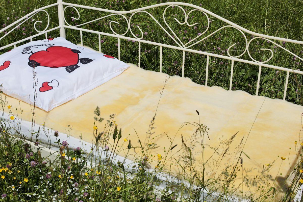 Lammfell - UNTERBETT  MEDIZINISCH Felldecke Bettfell Bettauflage Kinderbett Rhea