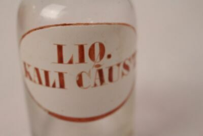 Apotheker Flasche Medizin Glas braun liq. Kali Caust. antik Deckelflasche Email 12
