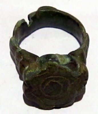Beautiful Post-Medieval Bronze Ring With Engraving On The Top # 86A 9