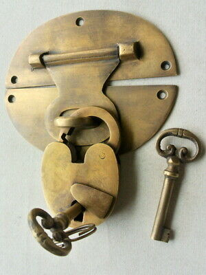 """large heavy HASP & STAPLE Padlock and KEY included WORKS 5"""" OVAL catch latch B 12"""