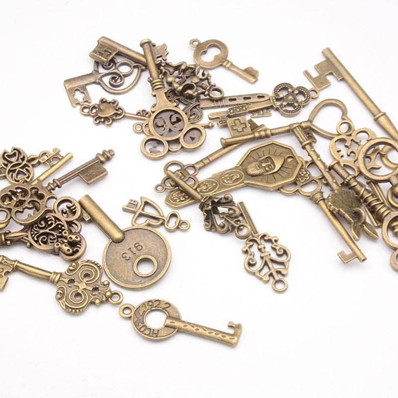 100g Antique Vintage Old Look Bronze Skeleton Keys Fancy Heart Bow Pendant 3
