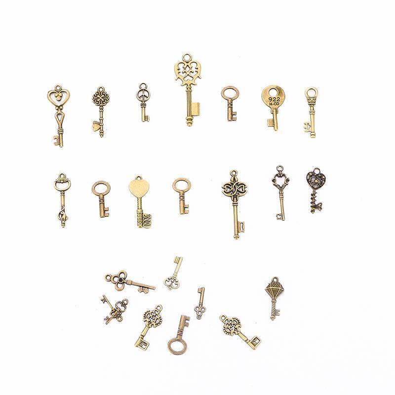 100g Antique Vintage Old Look Bronze Skeleton Keys Fancy Heart Bow Pendant 6