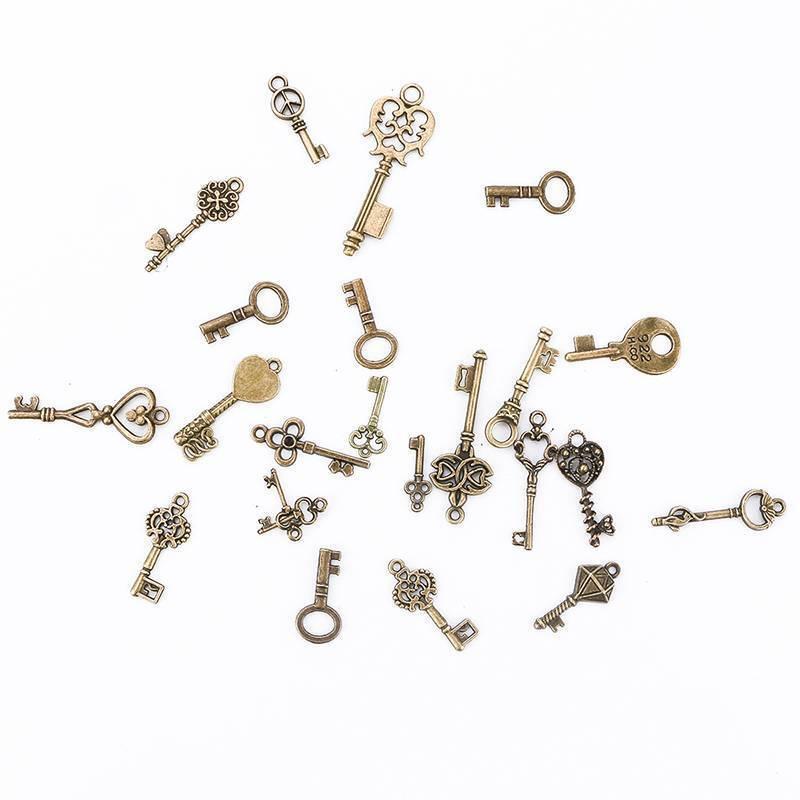 100g Antique Vintage Old Look Bronze Skeleton Keys Fancy Heart Bow Pendant 4