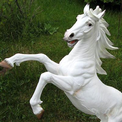steigendes pferd wei deko garten tier figur hengst steigend schimmel skulptur eur 175 00. Black Bedroom Furniture Sets. Home Design Ideas