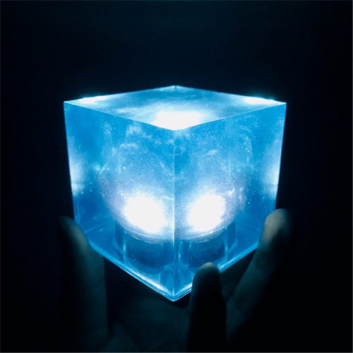 Avengers Thanos Tesseract Cube LED Light Infinity War Cosplay Props + Base 6.5cm 5