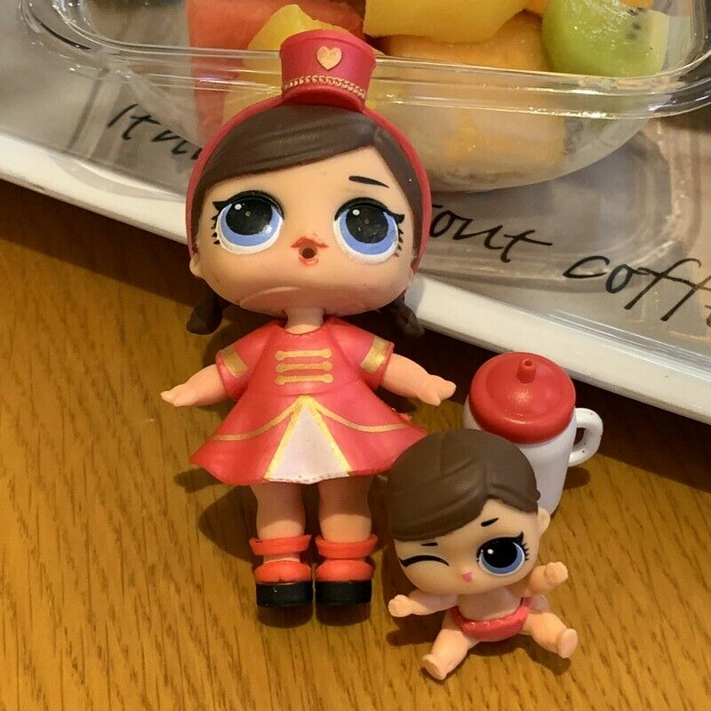 LOL Surprise Dolls MAJORETTE Series 1 BIG sister with Lil dolls sd