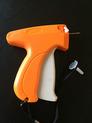 New Garment CLOTHING PRICE LABEL TAGGING TAG TAGGER GUN WITH 2000 BARBS 2 Needle