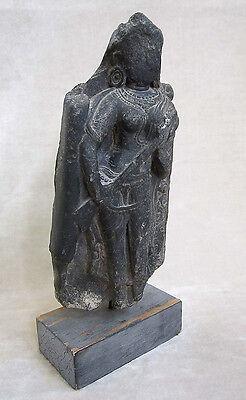 ANCIENT GANDHARAN SCHIST STONE SCULPTURE OF A FEMALE DEITY, circa 200 AD 3
