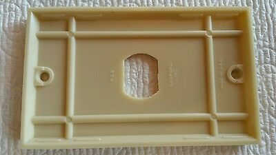 Vintage Early UNILINE BAKELITE Ribbed Wall Outlet / Switch Plate Cover Lines 2