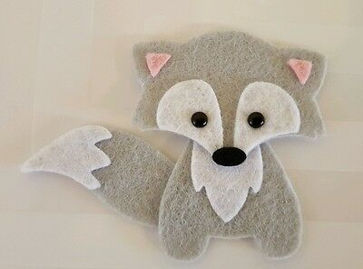 Felt Embellishments Card topper. 3 grey foxes Die cuts