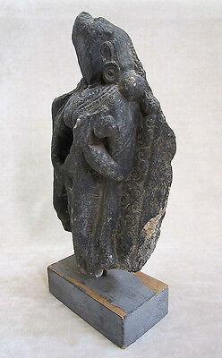ANCIENT GANDHARAN SCHIST STONE SCULPTURE OF A FEMALE DEITY, circa 200 AD 7