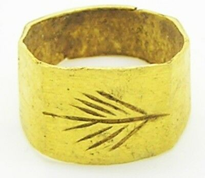 1st - 3rd century A.D. Ancient Roman Gold Finger Ring Victory Palm 2