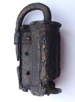 Perfekt Small Viking  padloch with Ornament  9 -10 AD 6