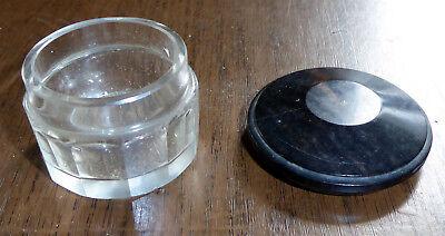 Uraltes Salbendöschen, Glas mit Facettenschliff, Deckel Bakelit 3