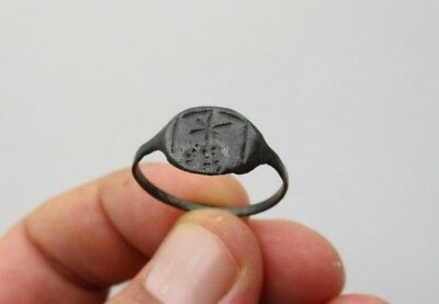 ancient Byzantine nicely engraved star above hill, in bronze ring 2
