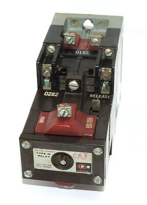 Cutler-Hammer D23Mr402 Type M Latched Relay Series A2 W/ 1886-1 & 9-1989-1 Coils
