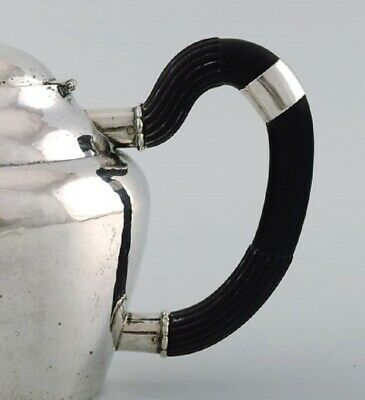 Early and rare Georg Jensen teapot in hammered silver with handle in ebony 5
