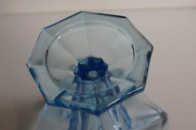 A Lovely Vintage Aqua Blue Glass Vase. 7