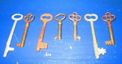 Lot of 7 skeleton antique church keys steampunk jewelery Clover Bow 4