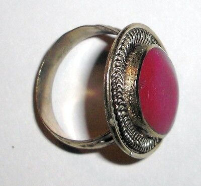 Handmade vintage ring from Uzbekistan with Red Stone 3