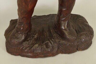 Escultura de Madera Siglo XVIII Siglo Hombre de Traje y Sombrero 12
