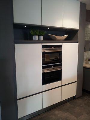 Superieur ... Grosse Einbauküche Grifflos Grafit / Weiss Wohnküche Inselküche Siemens  Geräte 4