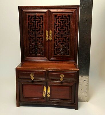 Chainess Vintage Dollhouse Miniature Furniture Display Cabinet Showcase Wood