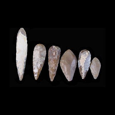 A collection of ten (10) chert stone arrow heads x6702 3