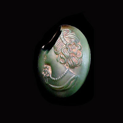 A beautiful Roman green glass cameo showing a noblewoman a6830 2